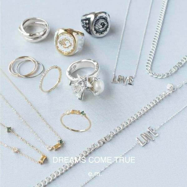 """イー・エムからドリカム30周年を祝う限定ジュエリー、ダイヤ30粒のリングや""""LOVE""""ネックレス"""