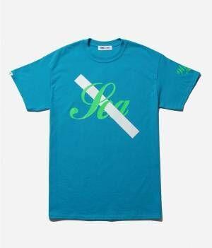 サタデーズ ニューヨークシティ×ウィンダンシーのロゴTシャツやトートバッグ、店舗ごとの限定カラー