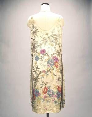 """神戸ファッション美術館で""""花""""がテーマの展覧会、ディオールのドレスや民族衣装など約100点"""