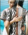 フレッドペリー × アカネ ウツノミヤ、パイソン柄Tシャツやオーバーサイズのポロシャツなど