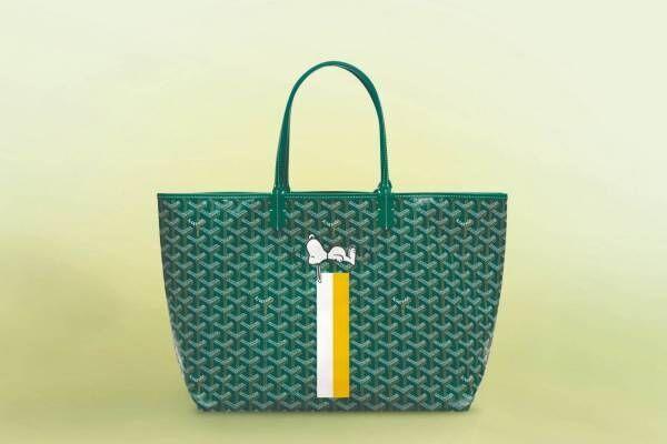 """ゴヤール""""スヌーピー""""ペイントのバッグが大阪・阪急うめだ本店に、犬小屋でお昼寝中のデザイン"""