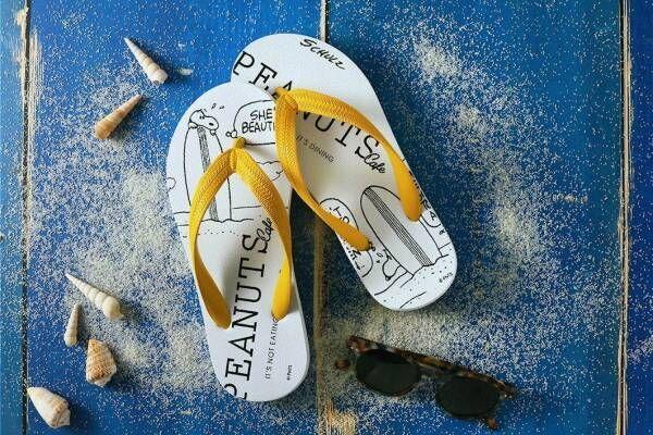 スヌーピーのビーチサンダルがピーナッツ カフェ全店で、イエローの鼻緒×コミカルなイラスト