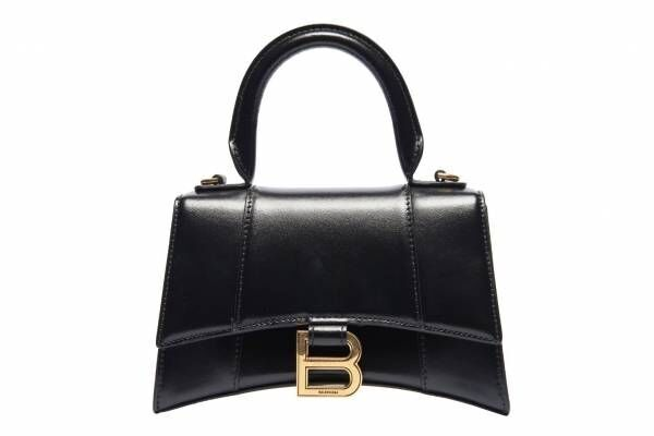 バレンシアガの新作「アワーグラス」Bメタルを飾ったカーブ底のバッグ、六本木ヒルズにエリア初店舗も