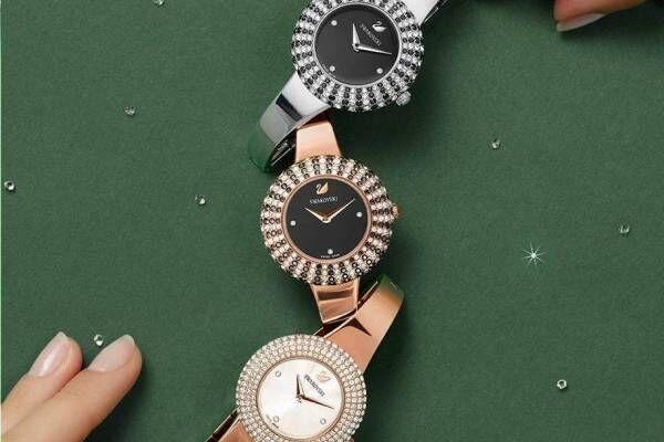 """スワロフスキー・ウォッチ""""北極の星空""""着想の腕時計、煌めくクリスタルを星に見立てて"""