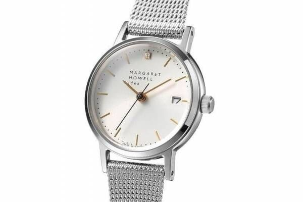 """マーガレット・ハウエル アイデアの腕時計「デイト メッシュ」に""""ダイヤモンド""""を飾った限定モデル"""
