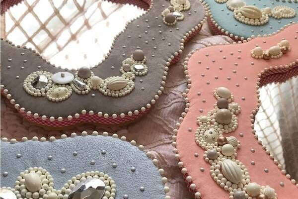 「鏡の国の靴下展」大阪で - 1点物の靴下&アートな鏡が集結、アクセサリーのカスタムも