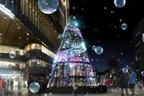 """東京ミッドタウン日比谷のイルミネーション""""宇宙""""着想のクリスマスツリー&季節で変わるライトアップ"""