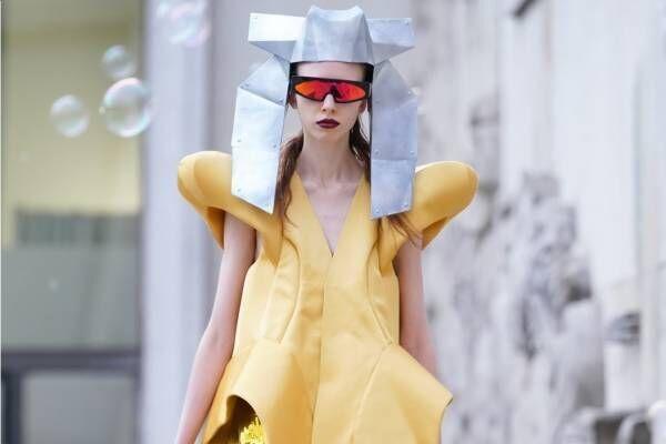 リック・オウエンス 2020年春夏ウィメンズコレクション - モダンな鎧を纏った戦士