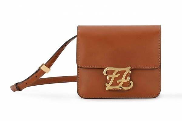 フェンディの新作バッグ「カーリグラフィ」曲線的なFFロゴをバックルに