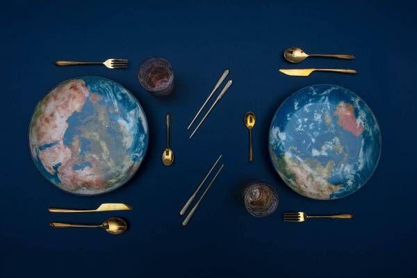 """ディーゼルから""""地球""""モチーフのプレート&輝くゴールドの""""宇宙飛行士""""型花瓶"""