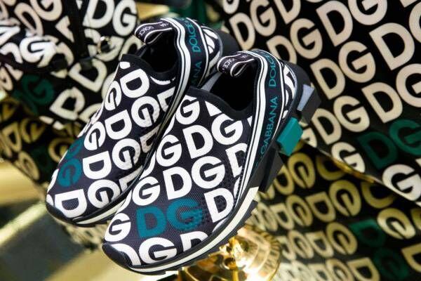 """ドルチェ&ガッバーナ""""DG""""ロゴのウェアやバッグ、銀座で先行販売 - スニーカーカスタマイズも"""