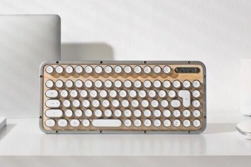 タイプライター風新感覚キーボード「エイジオ レトロ クラシック」天然素材ボード×ホワイトキー