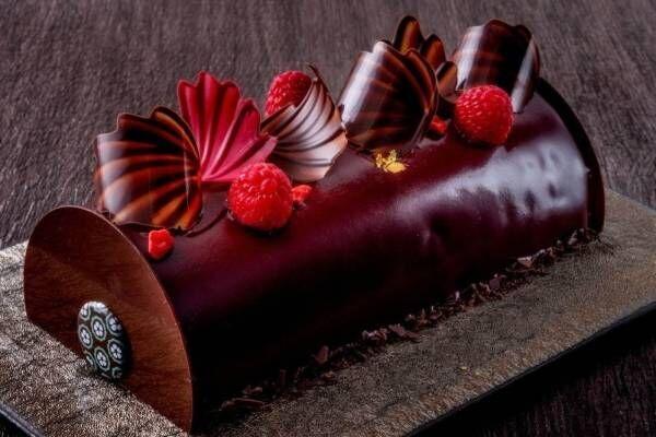 パスカル・ル・ガック 東京のクリスマスケーキ、チョコムース×フランボワーズジュレの日本限定ケーキなど