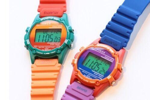 ビームスがタイメックスの腕時計「アトランティス100」別注、クレイジーカラーで4年ぶり復刻
