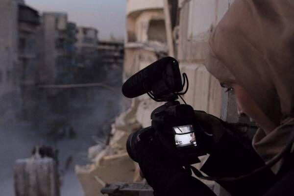 ドキュメンタリー映画『娘は戦場で生まれた』シリア内戦を追う母親、娘のために残す生きた証