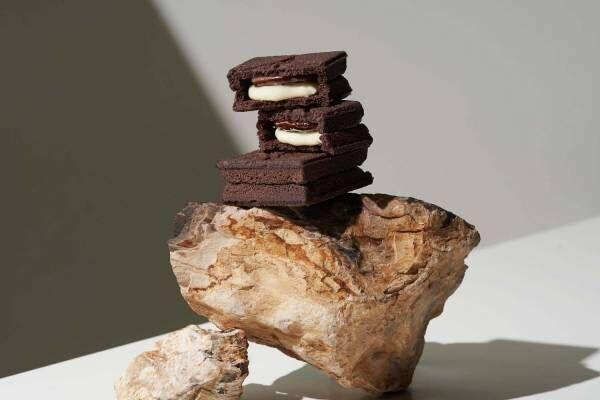 プレスバターサンド、バレンタインに向けた「バターサンド〈黑〉」ほろ苦ココアクッキーにバター&チョコ