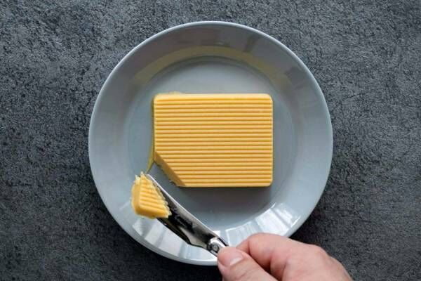 """食べるバターのカノーブル""""焼かない""""バターケーキ、安納芋×焦がしバターの濃厚な味わい"""