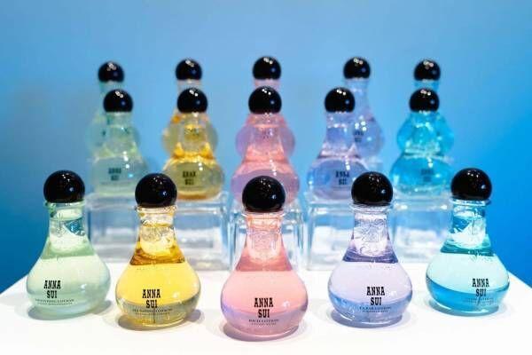 """アナ スイ新作""""カラフル""""ボトル化粧水、ミント香るクールブルーやつや肌叶う金箔ゴールドなど5種"""