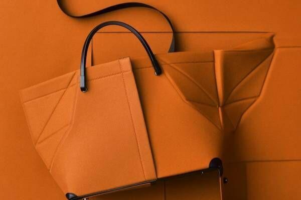 グッド グッズ イッセイ ミヤケ、平面から立体へ組み立てるバッグ「ファントム」からキャンバス素材の新作
