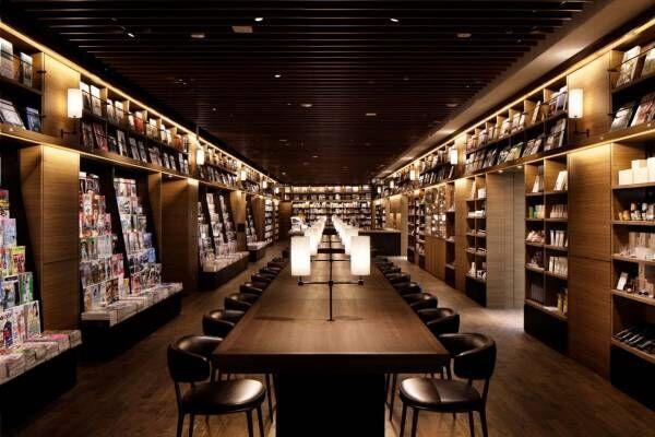 """羽田空港第2ターミナルに「蔦屋書店」誕生、羽田空港初のブック&カフェ -""""手土産""""に最適なアイテムも"""