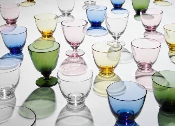 """""""水の波紋""""モチーフのカラフル食器がホルムガードから、テーブルに広がる""""色の流れ"""""""