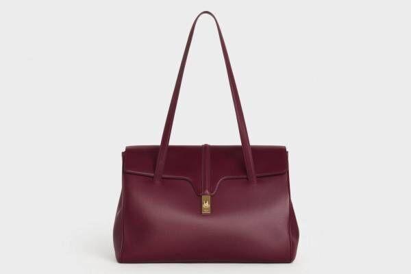 セリーヌ新作バッグ「16(セーズ) ソフト」柔らかなレザー&ゴールドのターンロックのハンドバッグ