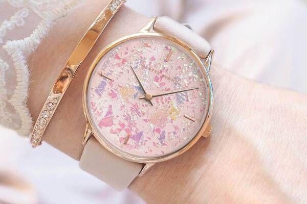 """""""オーロラ""""のように輝くホログラム腕時計、アレットブランより - 光でキラキラと変わる表情"""
