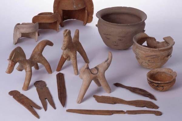 企画展「しきしまの大和へ-奈良大発掘-」福岡・九州国立博物館で、土偶や銅鐸など縄文から中世の資料展示