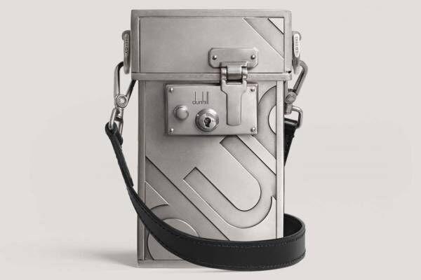 """ダンヒルからアタッシュケース着想「ロックバッグ」""""真鍮の鍵""""で開閉、経年変化を楽しむレザーで"""