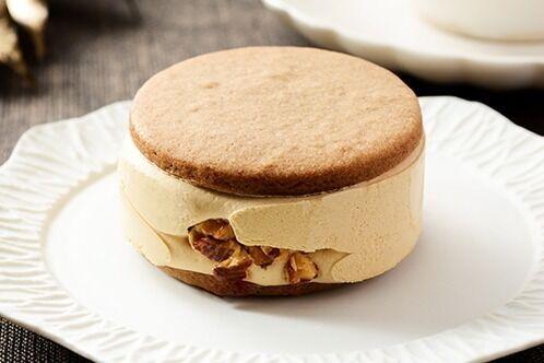 ローソンの人気スイーツ「サクバタ」に焦がしキャラメルバタークリームたっぷりの新作