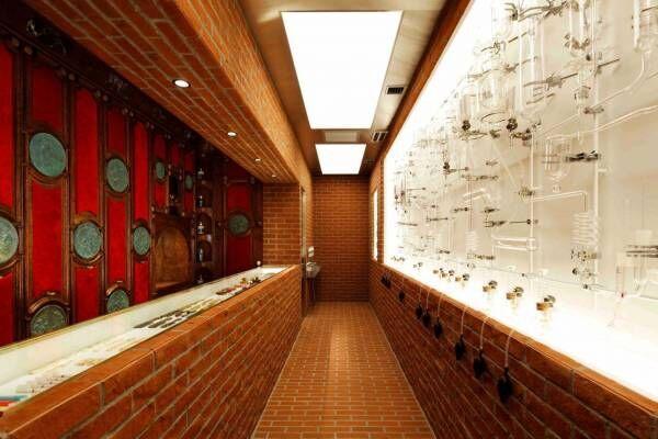 """オフィシーヌ・ユニヴェルセル・ビュリーが南青山に新路面店、香りを自由に楽しめる""""ガラス管""""の壁面"""