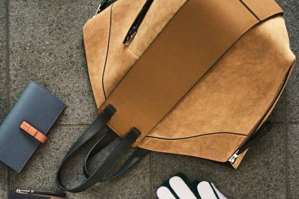 ロエベの人気バッグ「ハンモック」に大容量のトートタイプが新登場