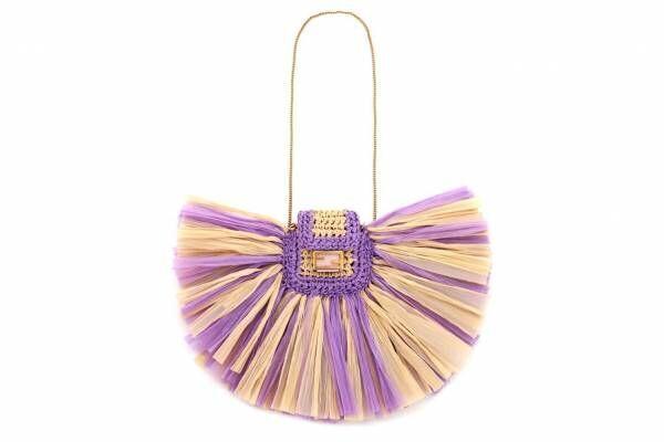 フェンディ史上最小バッグ「ピコ バゲット」にラフィア素材の新作、たっぷりフリンジ付きで