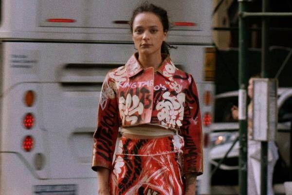 """マルニ 2021年春夏ウィメンズコレクション、世界中のストリートで見かけた""""素敵な洋服"""""""