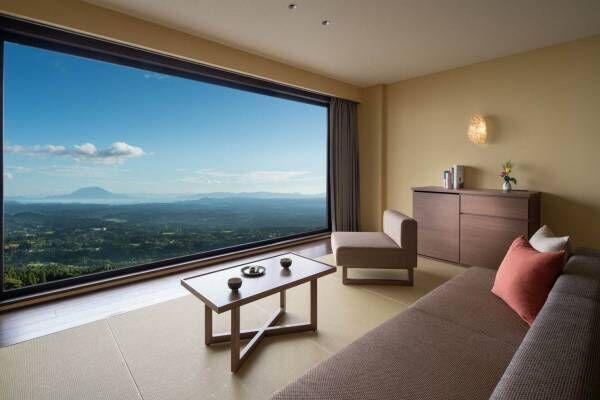 星野リゾート「界 霧島」鹿児島・霧島温泉に開業、桜島の絶景を望む客室&すすき草原の露天風呂