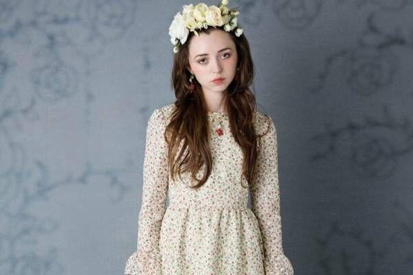 ミルク『眠れる森の美女』着想のいばら姫ドレス、とげレースが渦巻く薔薇ワンピ&ローズシューズも