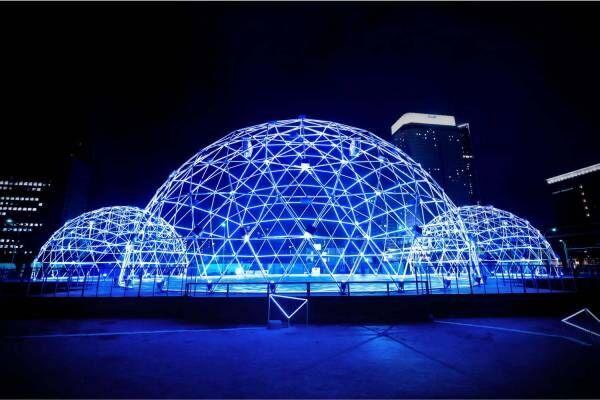 横浜・みなとみらいのイルミネーションイベント、光輝く巨大ドーム&プロジェクター付き自転車で夜散歩