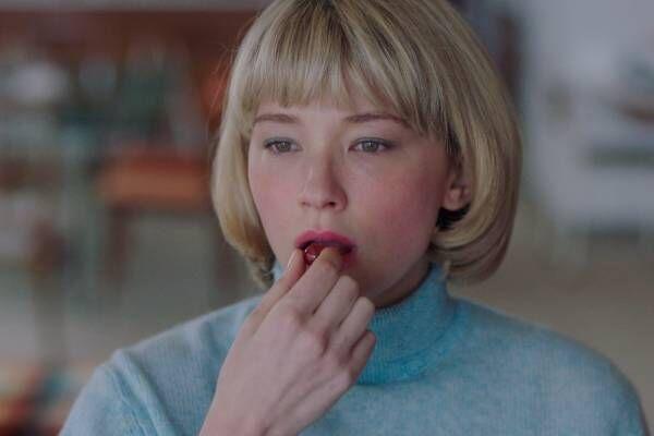 """映画『Swallow/スワロウ』""""異物を呑み込む""""欲望 - 美しくも恐ろしいスリラー作品"""