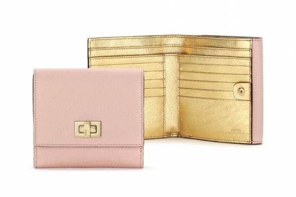 フェンディ「ピーカブー」日本限定の新作レザーグッズ、ピンク×ゴールドの財布やキーケース