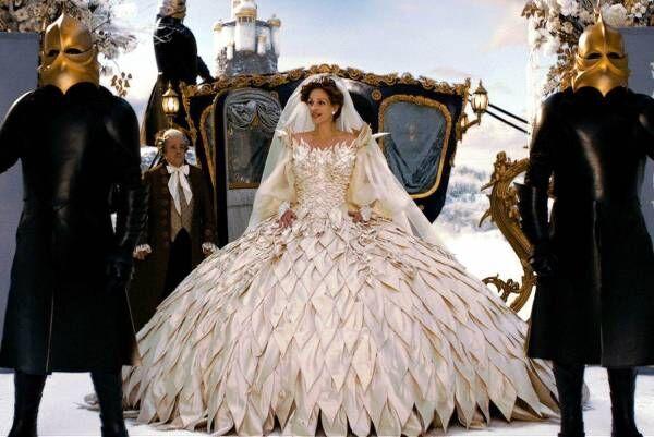 石岡瑛子の特集上映が渋谷Bunkamura ル・シネマで -『ドラキュラ』『白雪姫と鏡の女王』の2本