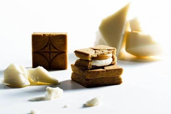 """プレスバターサンドの新フレーバー""""ホワイトチョコキャラメル""""バニラ風味のクッキー生地で"""