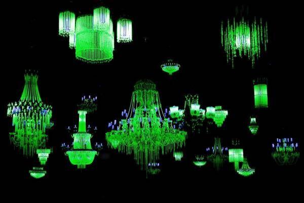 """「米谷健+ジュリア」大規模個展が角川武蔵野ミュージアムで - """"妖しく光る""""ウランガラス作品など"""