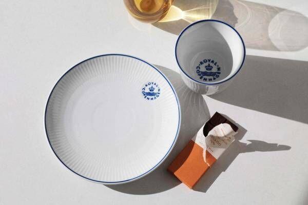 """ロイヤル コペンハーゲン""""海""""連想させる青い線を施したテーブルウェア「ブルーライン」"""