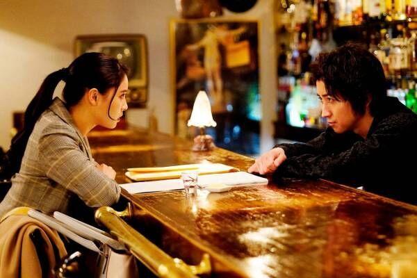 映画『鳩の撃退法』主演・藤原竜也が天才小説家に、観客参加型謎解きエンター<転>メント