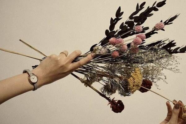 """「マトウ」""""花言葉""""付きの花色ベルト腕時計新レディースウォッチブランドから、かすみ草やユーカリ"""