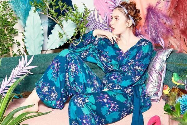 フランフラン春新作ルームウェア、ウエストリボン付き花柄ワンピやくすみピンクのサテンパジャマ