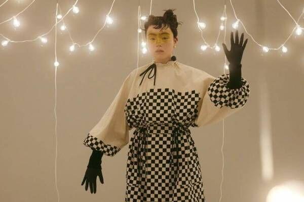 ミントデザインズ 2021-22年秋冬コレクション - 夜のサーカスを舞台に、夢へと誘うピエロ
