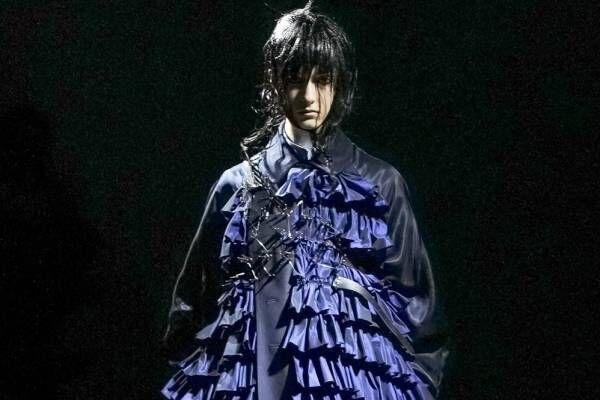 ノワール ケイ ニノミヤ 2021-22年秋冬コレクション - 漆黒に放つ、静かな美しさ