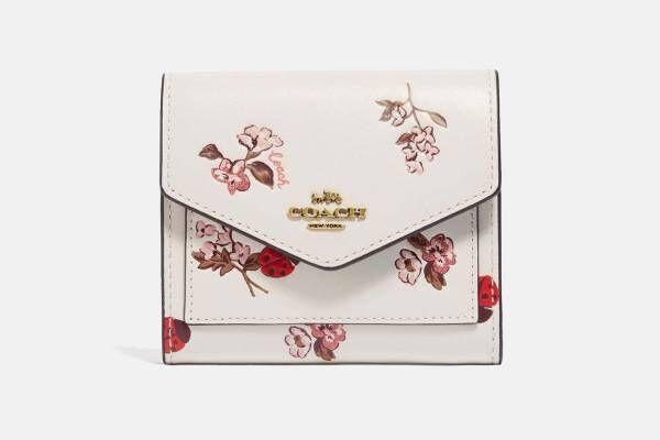 コーチ2021年春の新作レディース財布、桜カラー&テントウムシ柄のミニ財布など