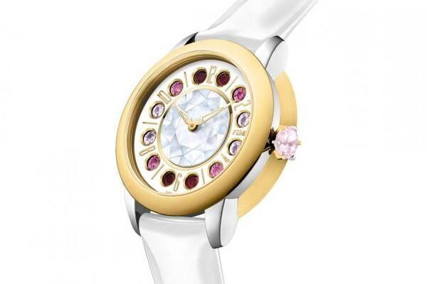 """「フェンディ アイシャイン」""""光沢""""レザーストラップの新作、ジェムストーンが回転する腕時計"""